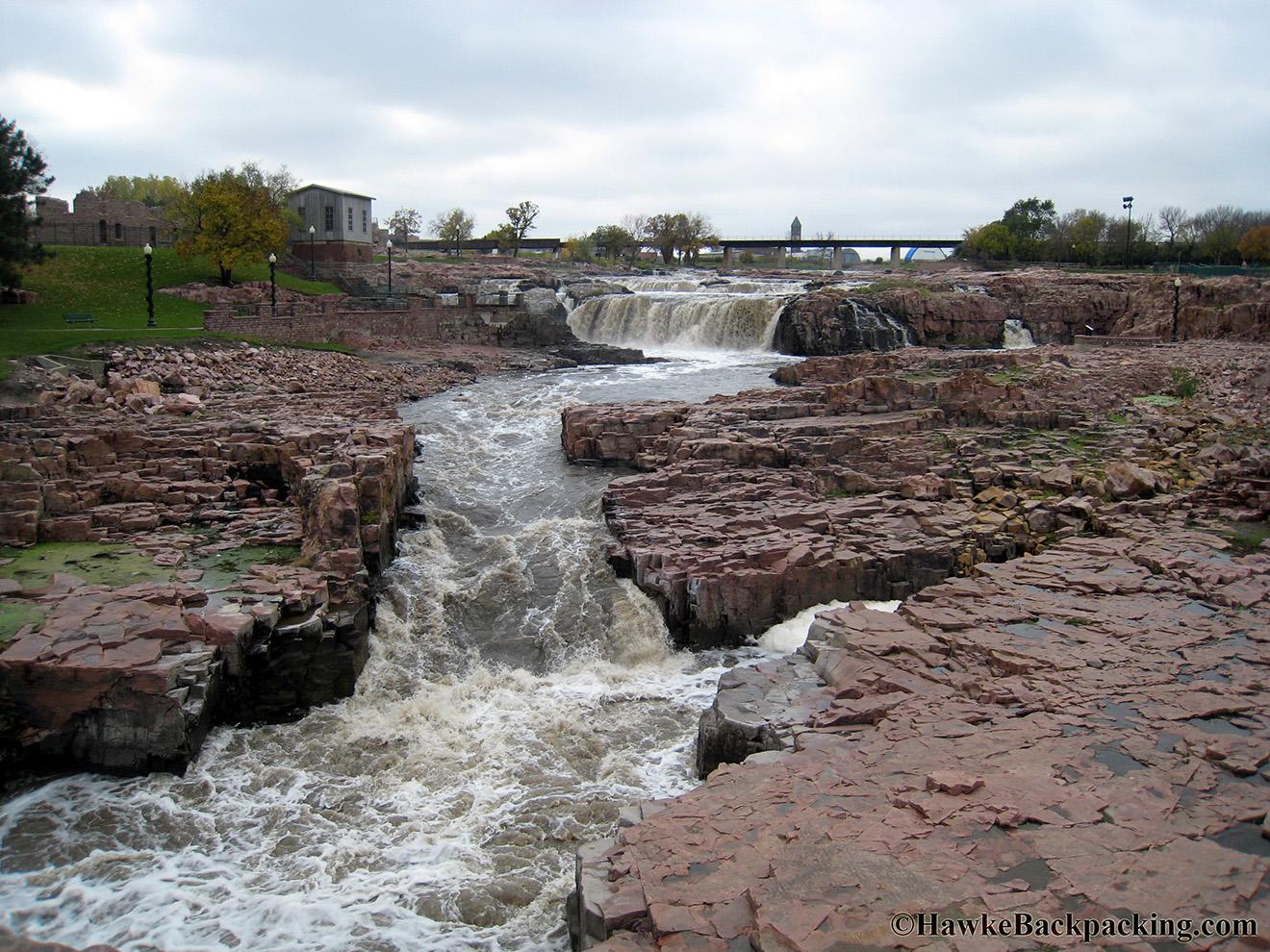 Sioux Falls - HawkeBac...
